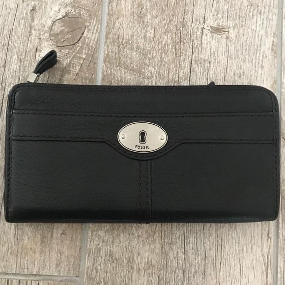 Fossil Handbags - Fossil wallet - New